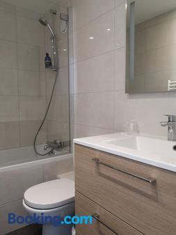 AMHôtel Italie - Παρίσι - Μπάνιο