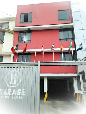 Hostal Dluxo - Lima - Building