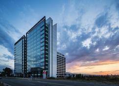 Best Western PREMIER Sofia Airport Hotel - Sofia - Building