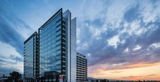 Best Western PREMIER Sofia Airport Hotel - Sofia - Gebouw