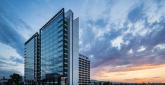 Best Western PREMIER Sofia Airport Hotel - סופיה