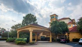 La Quinta Inn & Suites by Wyndham Charlotte Airport South - Charlotte - Building
