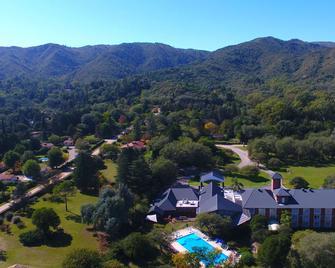 Howard Johnson Inn Villa General Belgrano - Villa General Belgrano - Vista del exterior