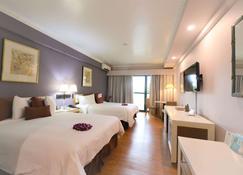Days Inn by Wyndham Guam Tamuning - Тамунинг - Спальня