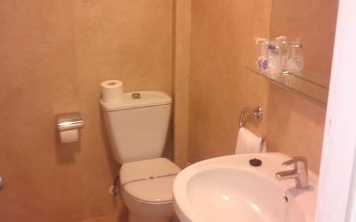 Hotel Oasis Plaza - Benidorm - Bathroom