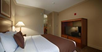 Best Western Plus All Suites Inn - Santa Cruz - Bedroom