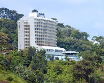 Hotel Mont Fébé - Yaoundé - Gebouw