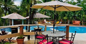 The Log Cab Inn Resort - San Ignacio