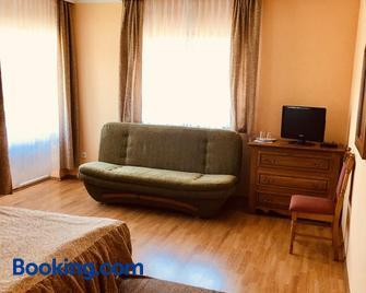 Horváth Vendégház - Orosháza - Living room