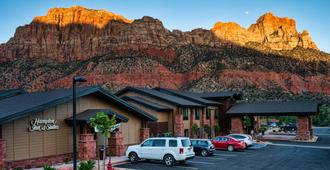 Hampton Inn & Suites Springdale/Zion National Park - Springdale - Edificio