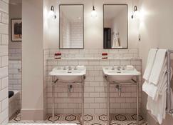 金普頓鐘樓飯店 - 曼徹斯特 - 浴室