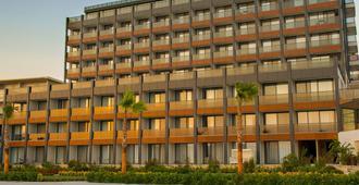 The Nowness Luxury Hotel & Spa - צזמה - בניין