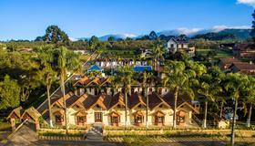 Hotel Porthal das Videiras - Monte Verde - Edificio