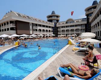 Viking Star Hotel - Kemer - Bazén