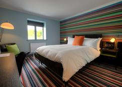 Village Hotel Swindon - Swindon - Bedroom