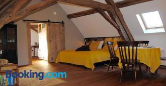 Domaine Les Grands Pérons - Hérisson - Bedroom