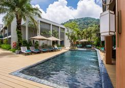 Mai House Patong Hill - Patong - Pool