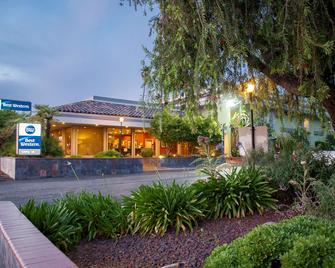 Best Western Village Inn - Fresno - Edificio