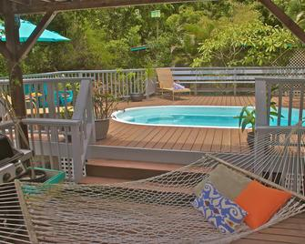 Starlit Escape Villa - Saint John's National Park - Pool
