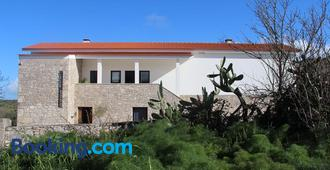 Casa Boho - Alvados - Edificio