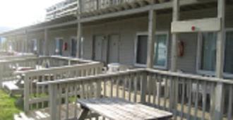 Golden Sands Resort - Lake George - Edificio