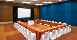 Real Inn Guadalajara Expo - Guadalajara - Meeting room