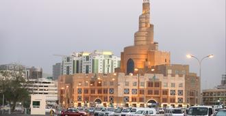 Swiss Belhotel Doha - Doha - Vista del exterior