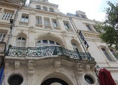 Hotel Au Chapon Fin - Poitiers - Edificio
