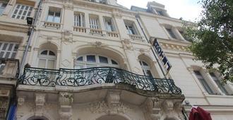 Hotel Au Chapon Fin - פואטייה