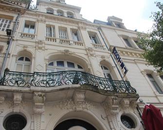 Hotel Au Chapon Fin - Poitiers - Building