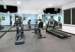 Days Inn & Suites by Wyndham Lubbock Medical Center - Lubbock - Gym