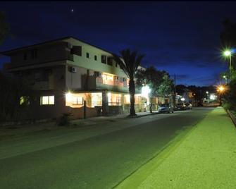 Hotel Quasar - Cala Liberotto - Building