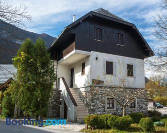 Guest House Vila Korosec - Bovec - Building
