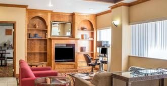 Comfort Suites Phoenix North - פיניקס - סלון