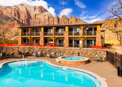 Best Western Plus Zion Canyon Inn & Suites - Springdale - Piscina