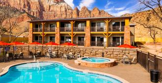 Best Western Plus Zion Canyon Inn & Suites - Springdale - Uima-allas