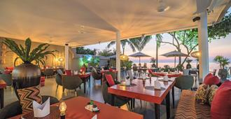 The Sunset Beach Resort & Spa Taling Ngam - קו סאמוי - מסעדה