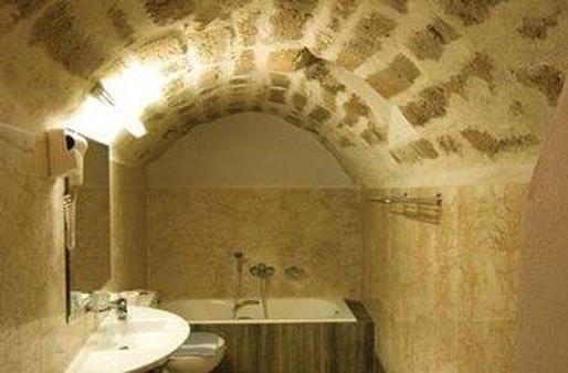 Bastione Malvasia Hotel (Ex New Malvasia) - Monemvasia - Bathroom