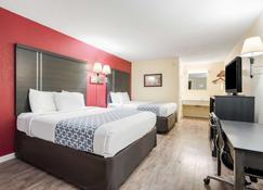 Econo Lodge - Waynesville - Bedroom