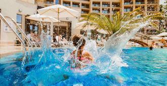 Swissôtel Resort Sochi Kamelia - Sochi - Pool