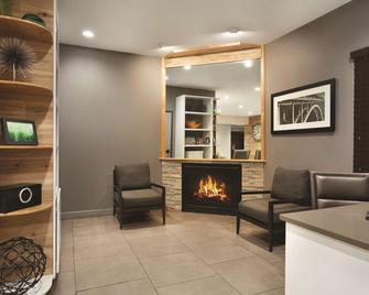 Country Inn & Suites by Radisson, Bryant, AR - Bryant - Salónek