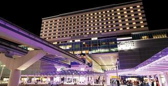 Jr Kyushu Station Hotel Kokura - קיטאקיושו - בניין