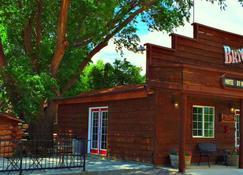 Bryce Pioneer Village - Tropic - Gebäude