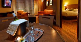 Hôtel & Suites Normandin Québec - קוויבק סיטי - חדר שינה