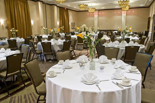 Embassy Suites by Hilton Savannah Airport - Savannah - Banquet hall