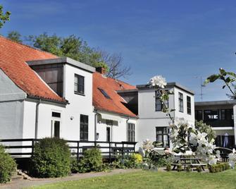 Provstegården Bed & Breakfast - Hovedgård - Building