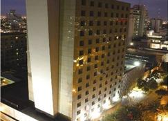 iStay Hotel Monterrey Histórico - Monterrey - Rakennus