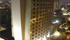 iStay Hotel Monterrey Histórico - Monterrey - Building