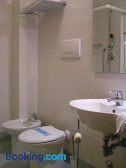 Albergo Verdi - Padua - Bathroom