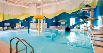 Fairfield Inn and Suites by Marriott Winnipeg - Winnipeg - Pool